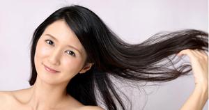 【さらば!白髪】食事とサプリの合体技で黒ツヤの髪を取り戻せ!
