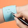 【メモを手に書く必要なし】シリコン素材の身に付けて消せるメモが大人気