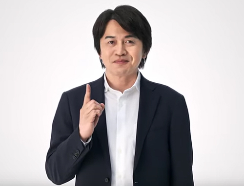 「Nintendo Switch Lite」の動画には小泉歓晃さんが登場